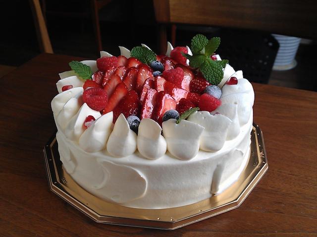 Strawberry sponge cake φ18cm.