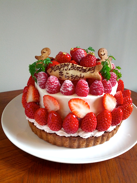 Strawberry sponge cake & tart.