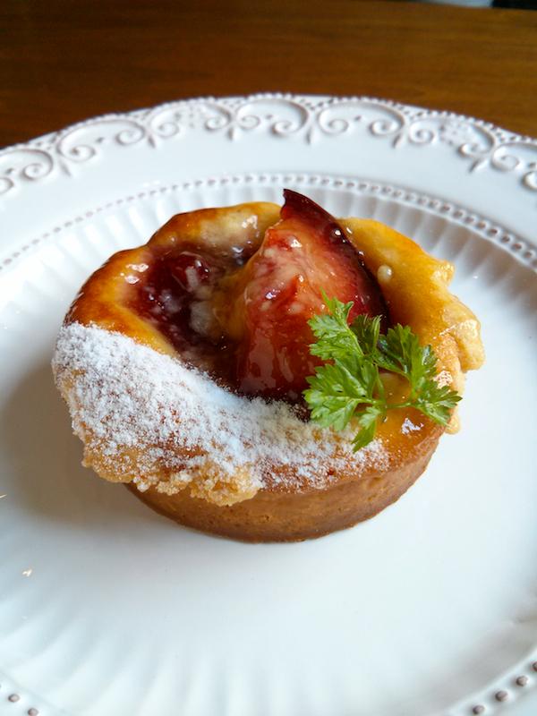 赤桃と苺のタルト